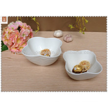 leaf shape white caramic salad bowl