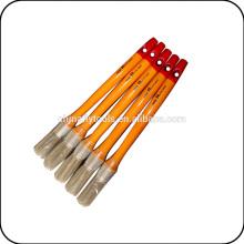 круглый деревянной ручкой кисть