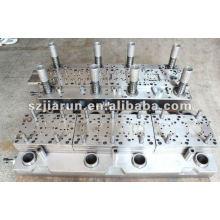 Múltiples etapas de moldeo Automatico Interlock Estampado Die