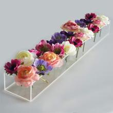 Longue boîte à fleurs rectangulaire en acrylique pour 24 roses