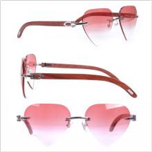 Bras en bois / Coeur / Lunettes couleur rose