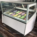 16 Vitrinenvitrinen von Pan Ice Cream