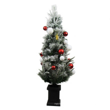Best selling merry 120cm plastic christmas tree for the front door
