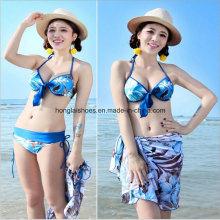 Dameart und weise reizvolle Bikini-Badebekleidung