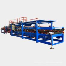 Rouleau en acier de couleur en métal formant des machines polyuréthane isolé eps toit sandwich panneau de production ligne