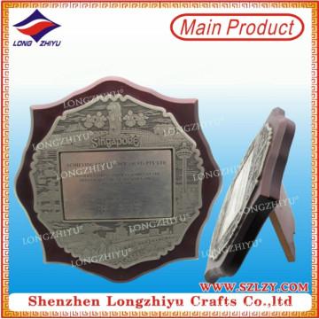 Placa decorativa de madera con soporte