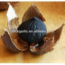 Jolie et délicieuse gousse noire Ail noir