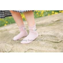 Diseños lindos del conejo Calcetines del algodón de la niña