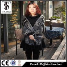 2015 nuevas mujeres del diseño forman el poncho de la manera del mantón del invierno de la bufanda del telar jacquar