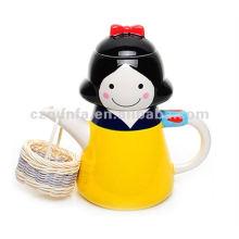 Handbemalte schneeweiße Design-Keramik-Teekanne