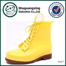 Suela de goma del zapato de la señora hecha en botas de las mujeres de los tacones altos de China patea B-817