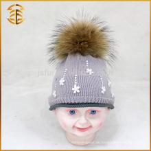 Gestrickte Kinder Häkeln Baby Hut mit echten Waschbär Pelz Pom Pom