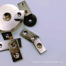 Anillo de disco Imán de neodimio con orificio para tornillo avellanado