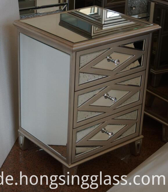 Antique Gold Mirrored 3 Drawer Bedside Mf 1808