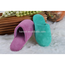 custom color soft and quiet fashion poral fleece women/men indoor slipper plush slipper