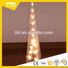 Uso de lâmpada de folha reflexiva para o Natal