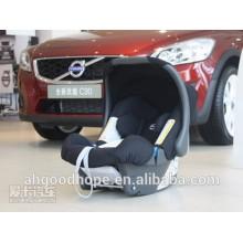 Assento de carro do bebê com a base