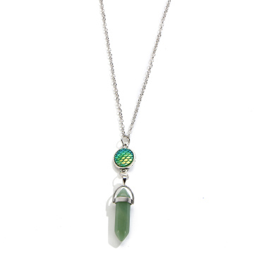 Escalas de peces Prisma hexagonal Green Aventurine Necklace