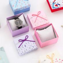 Boîtes à bijoux personnalisées en gros bijoux blancs boîte cadeau personnalisé avec votre logo pas cher