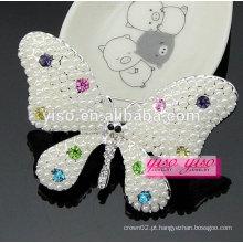 Lindamente colorida borboleta de cristal animal e broche de pérolas