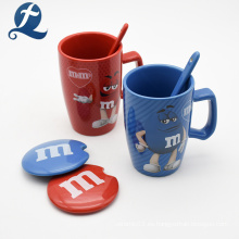 Taza de café de cerámica impresa color de encargo creativo de M&M del diseño único con la tapa