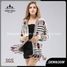 Las mujeres peludas manga larga con flecos patrón de cuadros de punto suéter escudo
