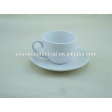 Porcelana blanca taza de té a granel y platillo al por mayor