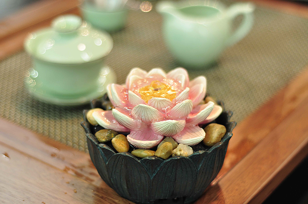 Table Fountain Lotus Blossom