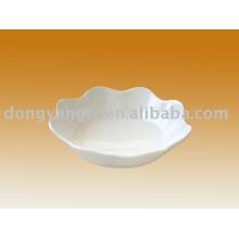 tigela de porcelana rendada