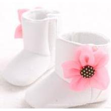 Zapatos blancos antideslizantes de los cargadores del cuero del ante de la niña del bebé recién nacido