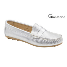 Women′s Leather Loafers Flat Moccasins