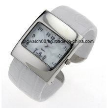 Stylish Square Case Women′s Bangle Wrist Watch