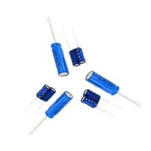 Tipo Radiador de condensador de faradio de tipo 2.7V