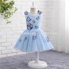 La primera comunión viste la decoración sin mangas de la mariposa del color azul Vestido de la muchacha de flor