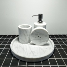 accessoires de tasse de bain en marbre blanc