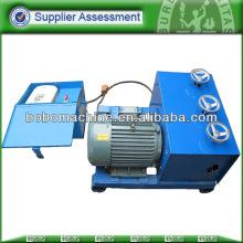 Alimentador automático para la hebra de tensión del poste