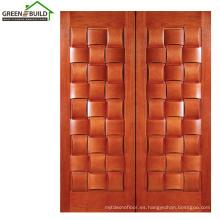 Diseños de puertas de madera clásicas de roble