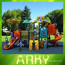 Équipement d'aire de jeux pour enfants charmants