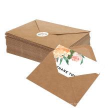 El saludo de encargo del sobre del papel de la tarjeta de felicitación del feliz cumpleaños de Kraft hecho a mano hermoso le agradece las tarjetas