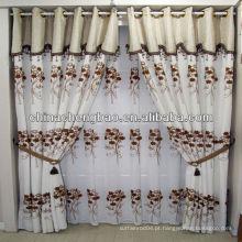 Elegantes cortinas bordadas brancas para salão