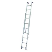 Única escada reta com movimentando-se livremente pé