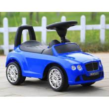 Bebê de brinquedo de controle remoto em carros de balanço de brinquedo