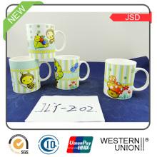 Tazas promocionales cerámicas creativas más nuevas del diseño para el uso diario