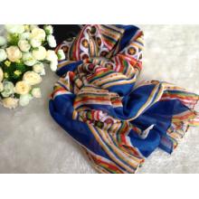 2016 nouveaux tissus 100% de voile de polyester tournés pour l'écharpe
