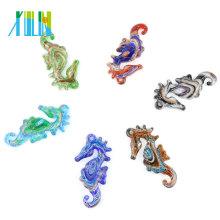 Novo design Animal forma Gold Sand Multi-Cor Cavalos Marinhos Pingentes para colar 12 pçs / caixa, MC0009