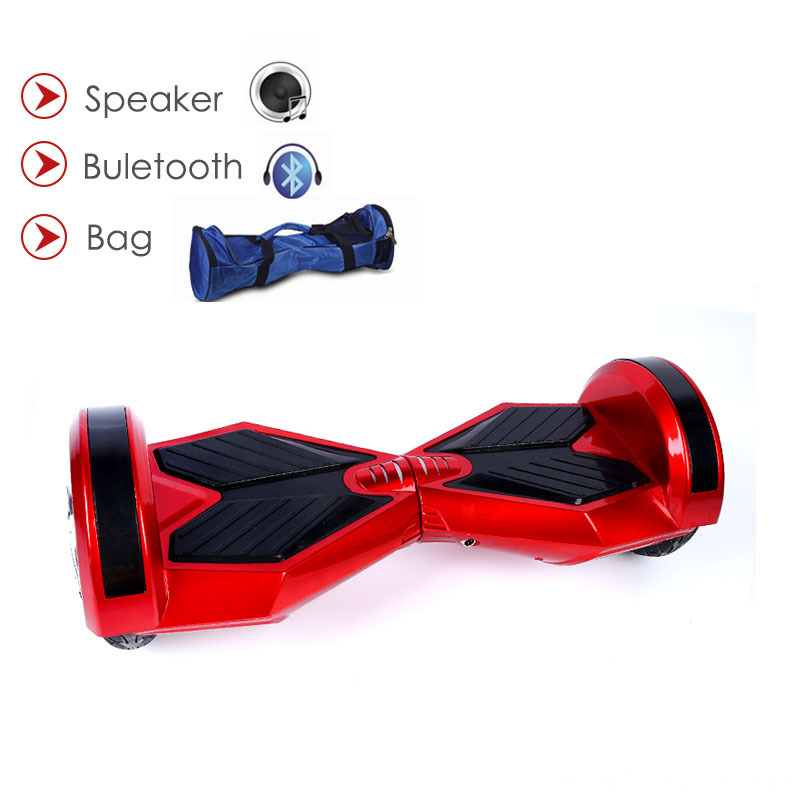 Individu équilibrant le scooter Hoverboards LED 8 pouces