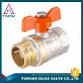Fábrica de estoque válvula de esfera de bronze preço TMOK Marca Tamanho 1/2 '' a 1 '' BSP Rosca de Ferro alças com suporte de seguro de crédito pvc