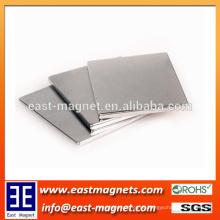 Nickelmagnet quadratische Blattform Gesinterter Neodymmagnet / kundenspezifischer ndfeb Magnet für Verkauf