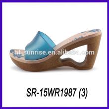 Zapato del flip flop de la señora del alto talón