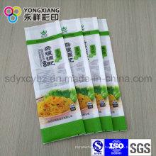 Embalaje de plástico con fideos laterales